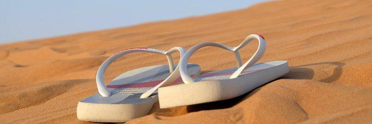 modne buty na plażę